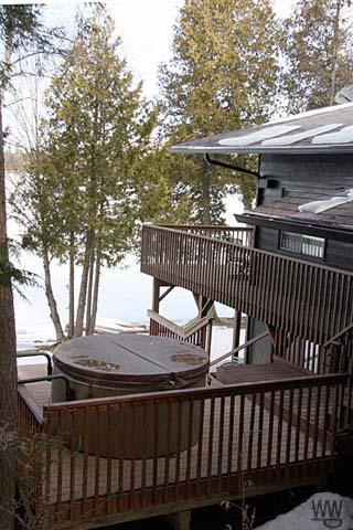 Sam's Lake House