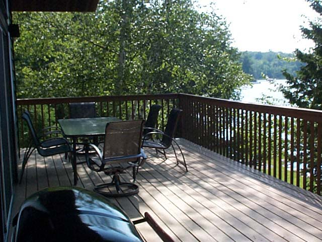 Extremely private, over sized deck.