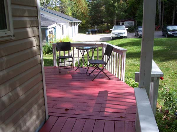 Front deck overlooking the Bunkie and parking area