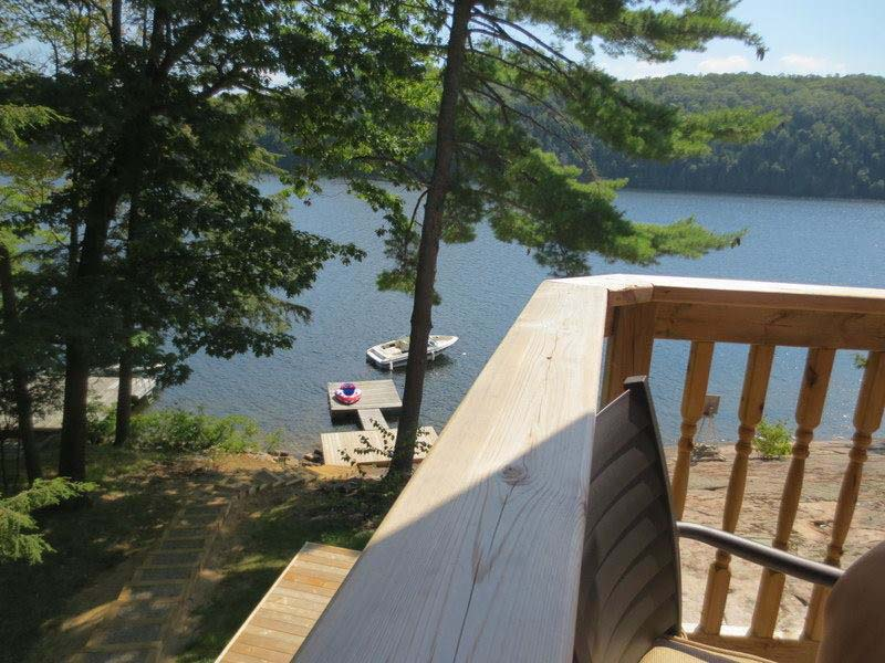 Brand new 4 bedroom cottage on Mountain Lake.