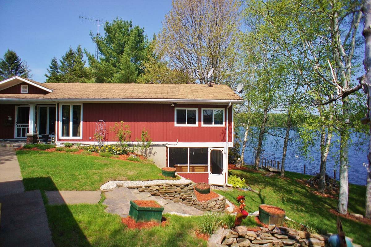 ontario the rental rentals featured season red all wing haliburton cottage experts