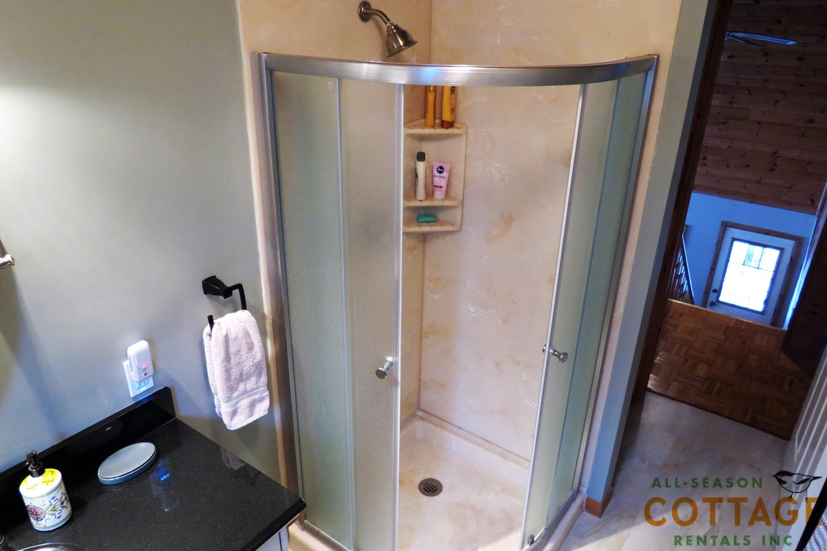 Shower in upstairs washroom