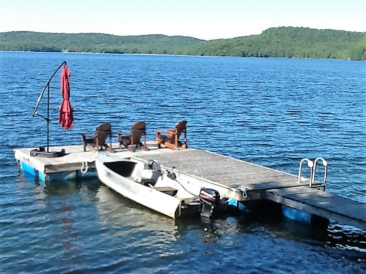 Owners purchased new dock to be installed for summer of 2019 (pics to come)