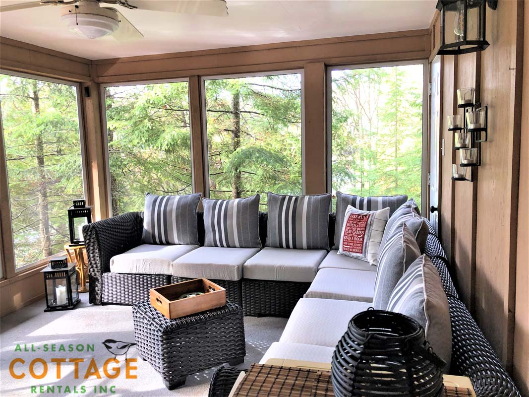 Large screened room